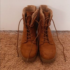 Really Cute Brown Fall boots!